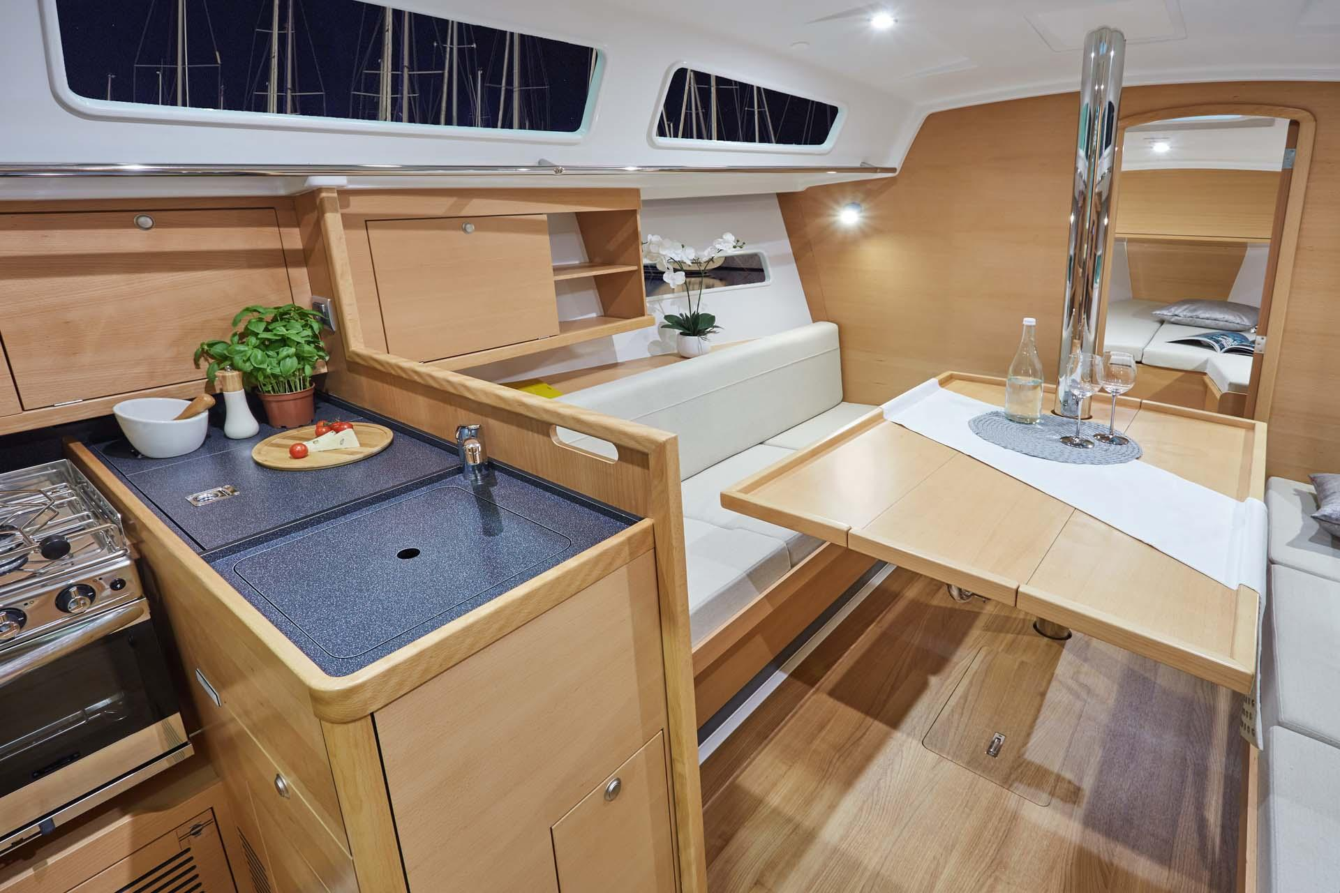Jeanneau Sailboat Sun Odyssev 319-interior1